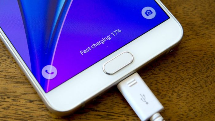 Fast charging smartphone