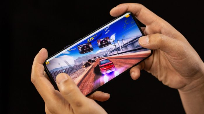 Some best smartphones are designed for gamers. If you're here interested to find the right smartphone for gaming, there's a list of cheapest smartphone for gaming for you.